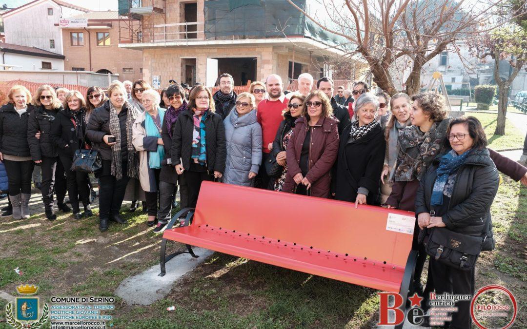 Bagno di folla, a Serino, per l'inaugurazione della panchina rossa. Lanciato il prossimo appuntamento per l'8 Marzo – FOTO, VIDEO, RASSEGNA STAMPA & SERVIZI TV