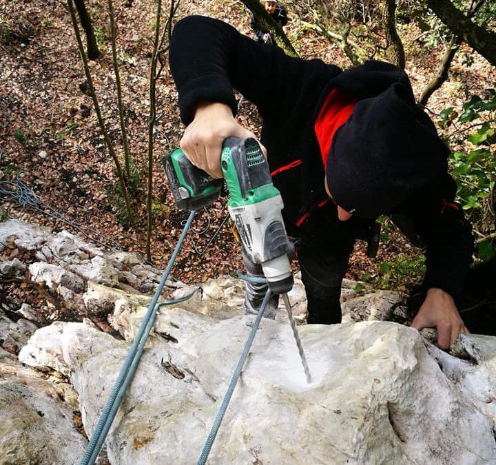 Il nostro impegno continua attraverso la chiodatura delle prime pareti per l'arrampicata, gli esami per operatore escursionistico ENDAS/CONI e la partnership con LEGAMBIENTE – FOTO