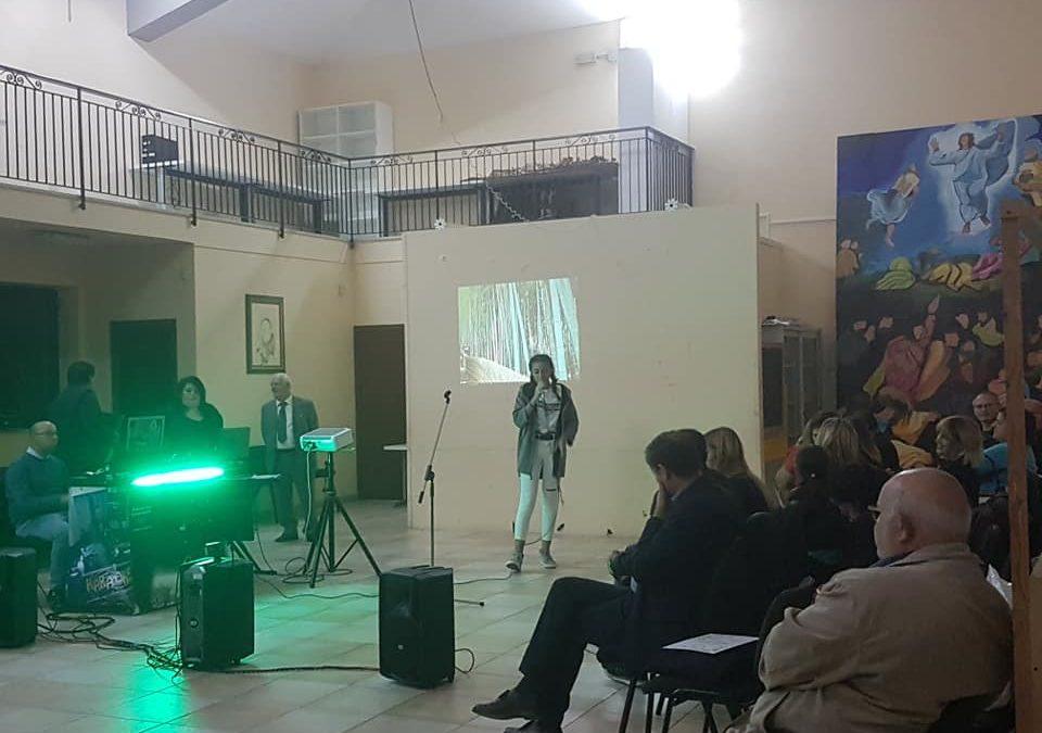 """L'evento """"karaoke"""" ha rappresentato un momento di aggregazione e socialità tra generazioni diverse – FOTO E VIDEO"""