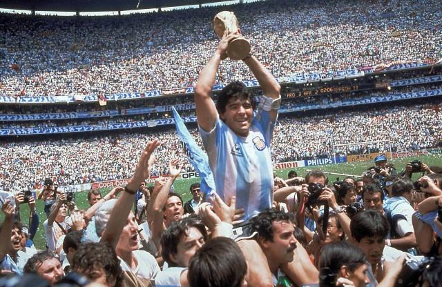 Feliz cumpleaños Diego Armando Maradona – VIDEO & APPROFONDIMENTO