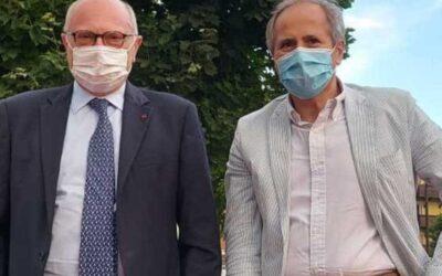 Covid, i virologi Crisanti e Galli: «Mascherina all'aperto incomprensibile se intorno non c'è nessuno» – APPROFONDIMENTO